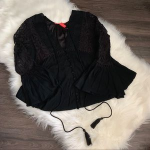 NWT Chelsea & Violet Black Bell Sleeve Lace Dress